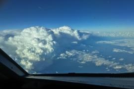 Meteorólogos, controladores aéreos y pilotos estudian la seguridad aérea en situaciones de tormenta