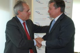 ENAIRE firma un protocolo de colaboración con el Colegio Oficial de Pilotos de la Aviación Comercial
